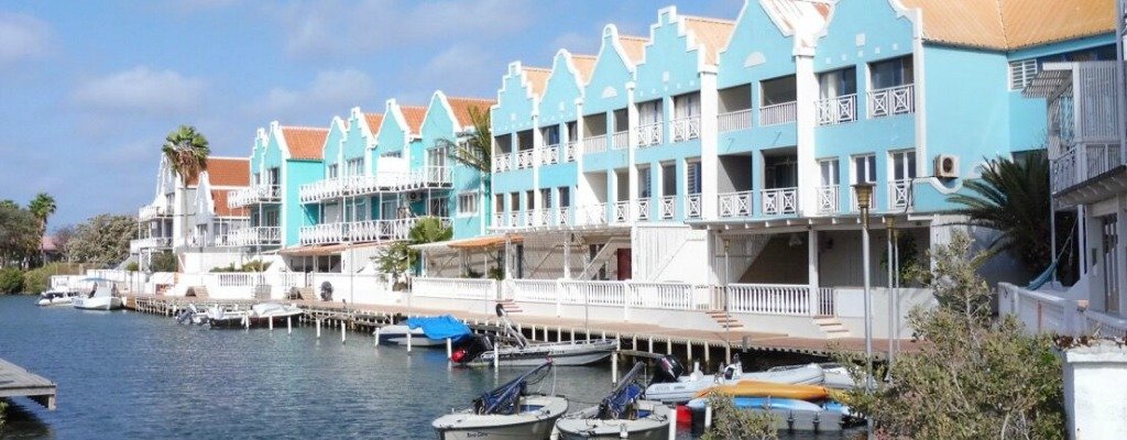 Breezybonaire Vacation Rentals are all located at Caribbean Court Bonaire