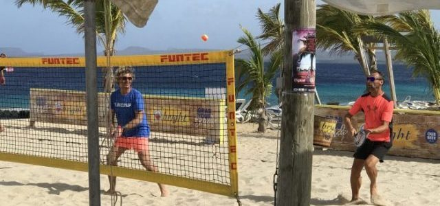 all about beach tennis on bonaire