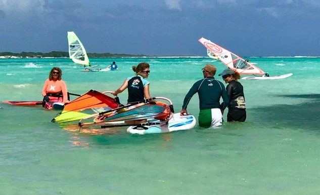 learn to windsurf on bonaire