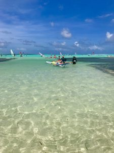 a beginner group learning to windsurf bonaire