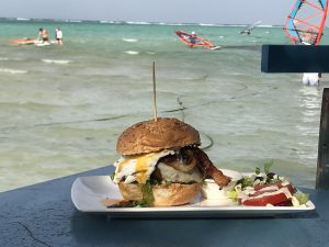 best places to eat lunch on the beach