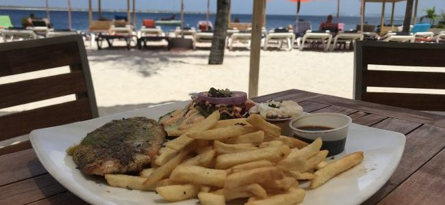 Where to eat lunch on the Beach in Bonaire: Spice Beach
